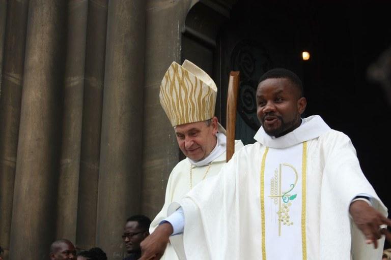 ordination-presbyterale-gilbert-julien-fils-de-la-charite-3-septembre-2017