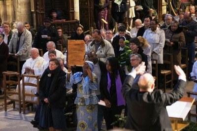Le registre des catéchumènes qui seront baptisés à Pâques...