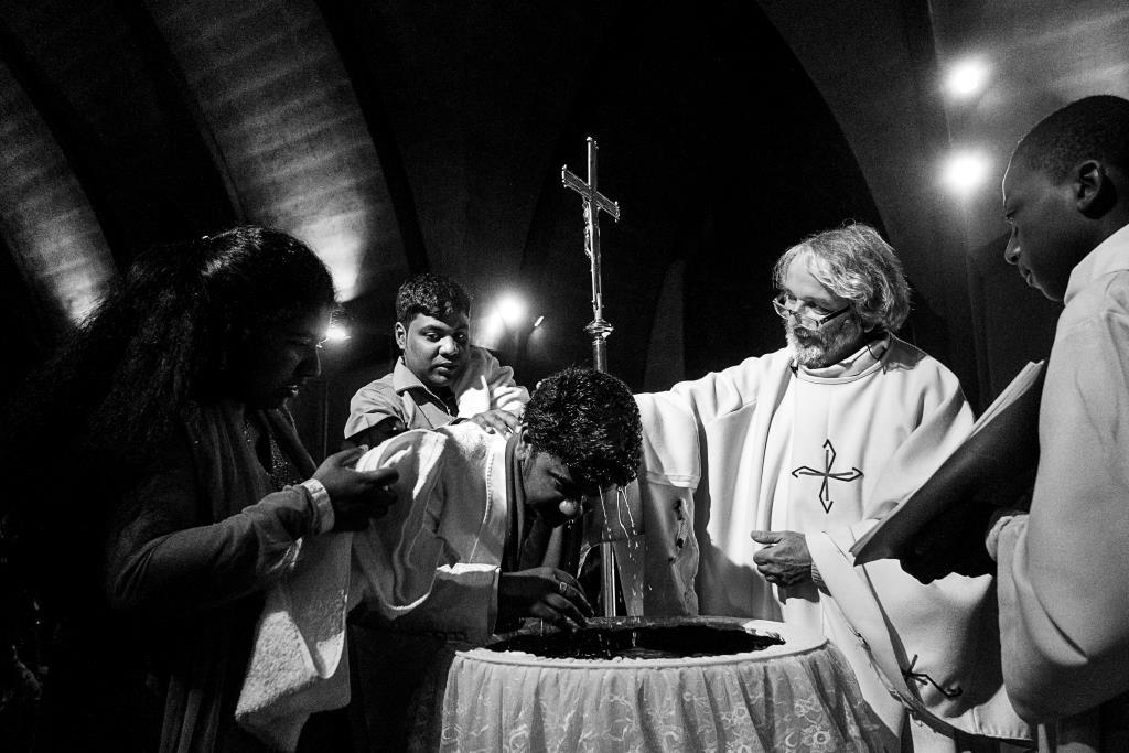 Baptêmes nuit pascale (c) Michael Bunel CIric