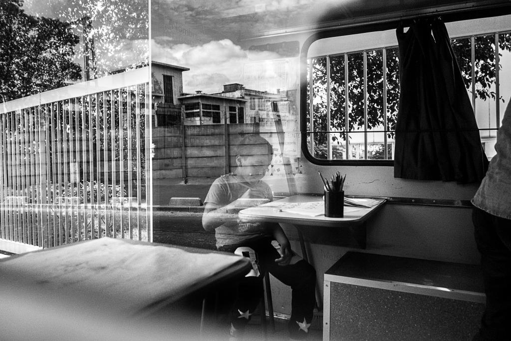 Camion école roms (c) Michael Bunel CIric