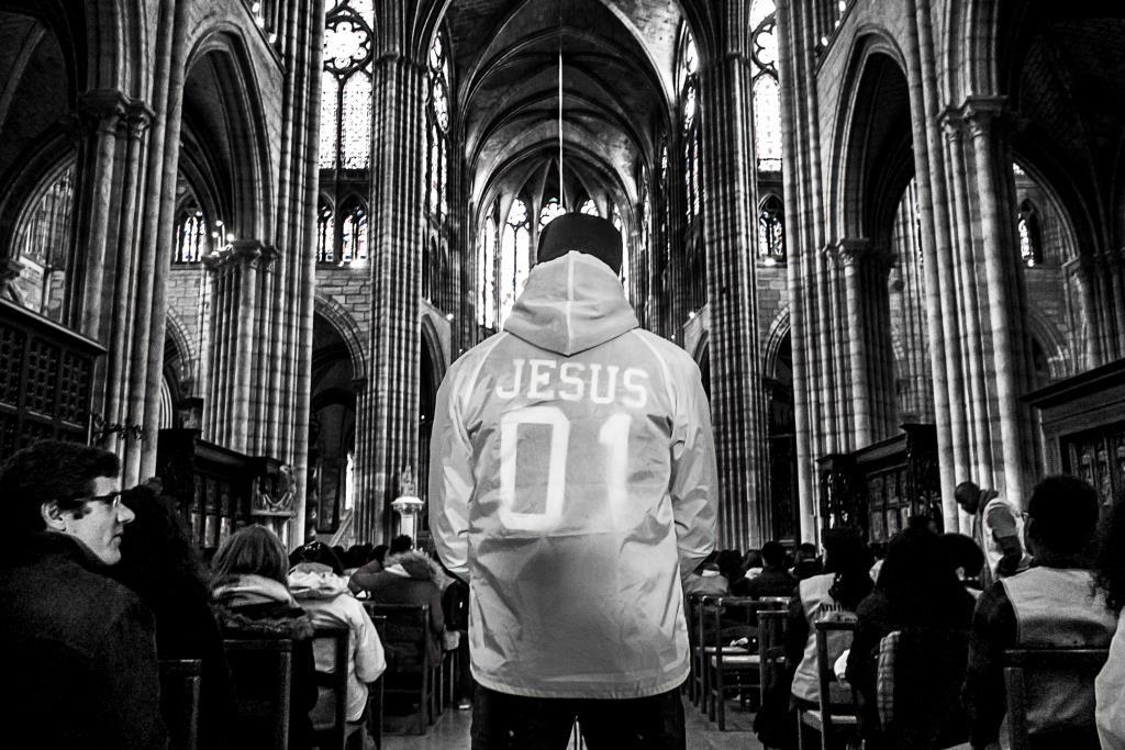 FRAT Lourdes départ cathédrale St Denis (c) Michael Bunel CIric