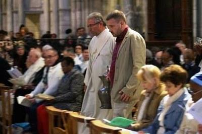 Messe Chrismale 2017 20 - Procession du Saint chrême