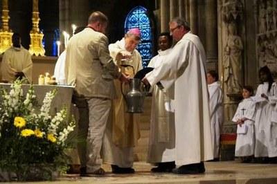 Messe Chrismale 2017 21 - Consécration du Saint chrême