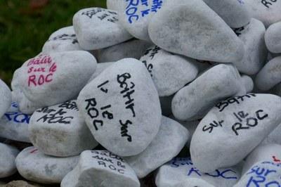 7-Batir sur le roc
