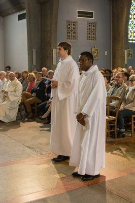 237 Ordination diaconale Florian Wilfred Blanc Mesnil 100917 (c) Spiritains