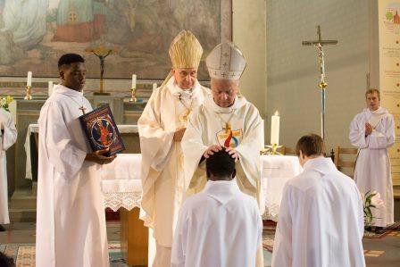 ordination-diaconale-de-florian-renaud-et-wilfred-agyiga-spiritains