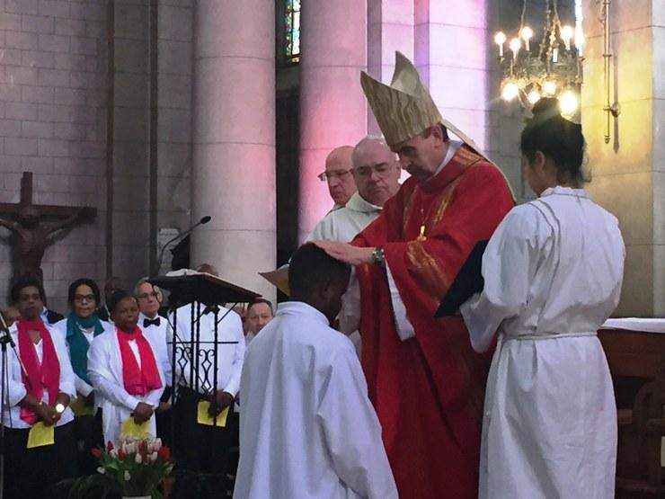 ordination-diaconale-de-gilbert-julien-fils-de-la-charite