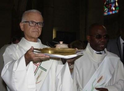 03 Gilbert Julien Fils Charité Ordination presbytérale 030917