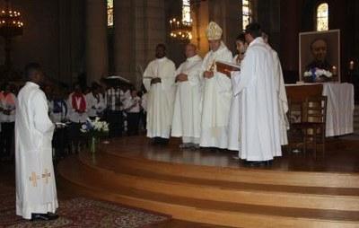 06 Gilbert Julien Fils Charité Ordination presbytérale 030917
