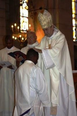 10 Gilbert Julien Fils Charité Ordination presbytérale 030917
