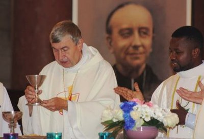 14 Gilbert Julien Fils Charité Ordination presbytérale 030917