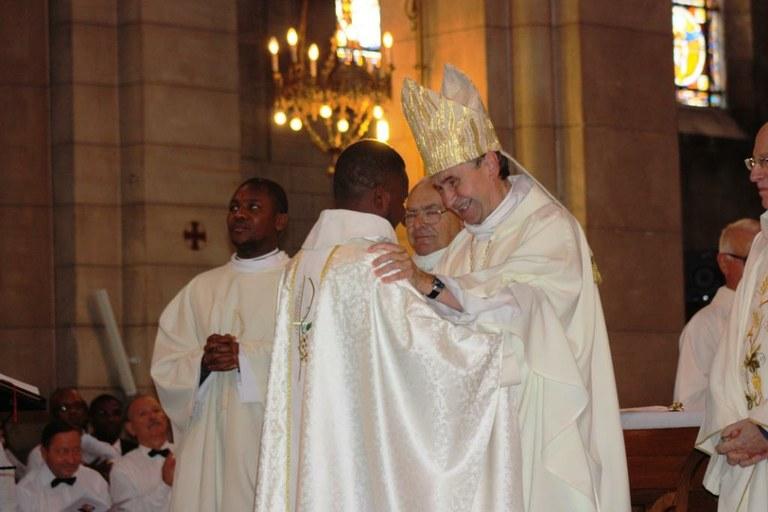 ordination-presbyterale-de-gilbert-julien-fils-de-la-charite